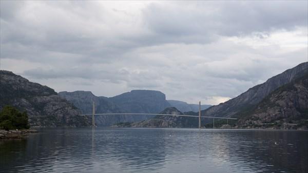 Мост через Lyse фьорд