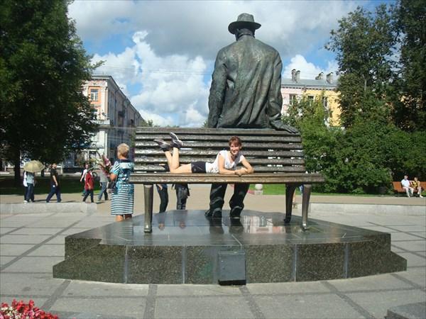 Памятник композитору Сергею Рахманинову