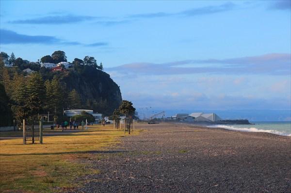 Пляж в Нейпире, а с горы открывается удивительный вид