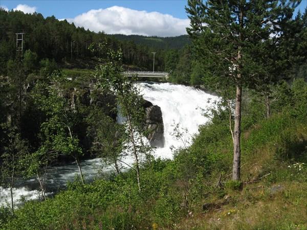 Первый водопад!