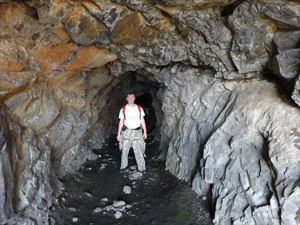 Боковой выход из тоннеля к Байкалу