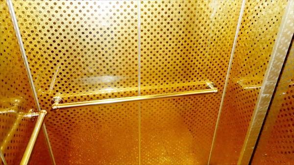Позолоченный лифт