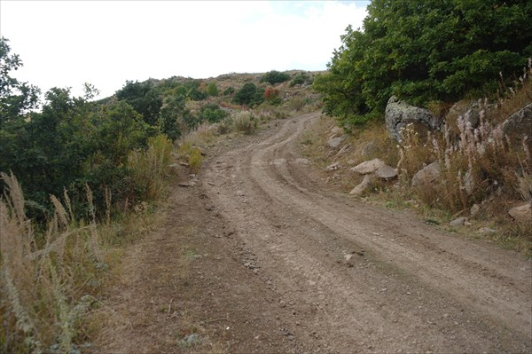Дорога к перевалу через Варденисский хребет