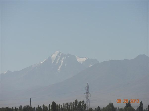 Горы начинают впечатлять.
