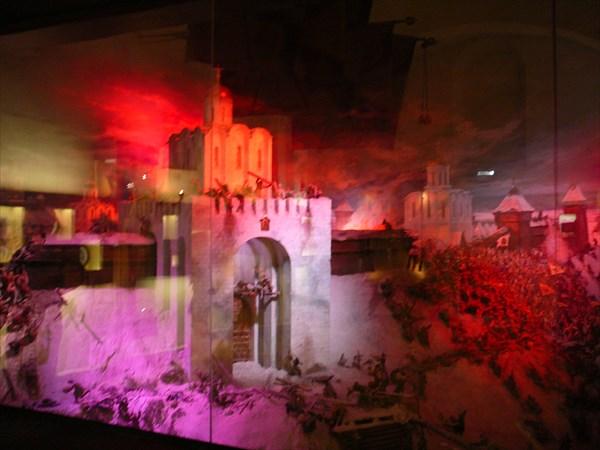 В Золотых воротах - диарама битвы с монголо-татарами