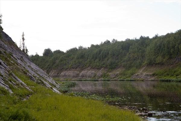 Вид из лагеря, Волонга выше по течению