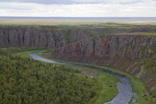 Памятник природы - грандиозный Базальтовый каньон