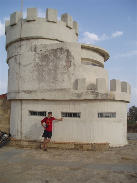Археологический музей Кара-Тобе, бывший дзот, Саки