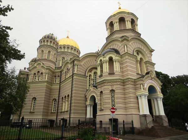 Православный кафедральный собор Рождества Христова