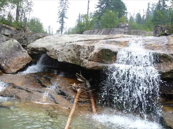 Водопад на р. Тайгишонок