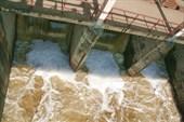 плотина на реке Пахра