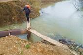 Единственный мост в п. Карпысак