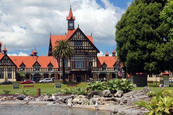 Главное здание в Роторуа, там находится музей