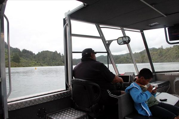 Водитель кораблика - маори