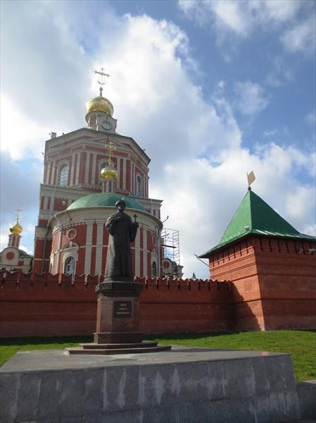 Памятник Фёдору Иоанновичу 2009