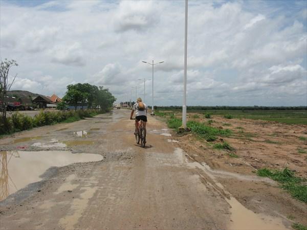 Ох уж эти камбоджийские дороги...