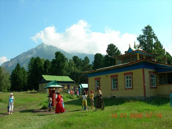 Буддийский дацан в пос.Аршан