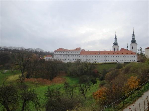 Вид на Страговский монастырь 1140—1143