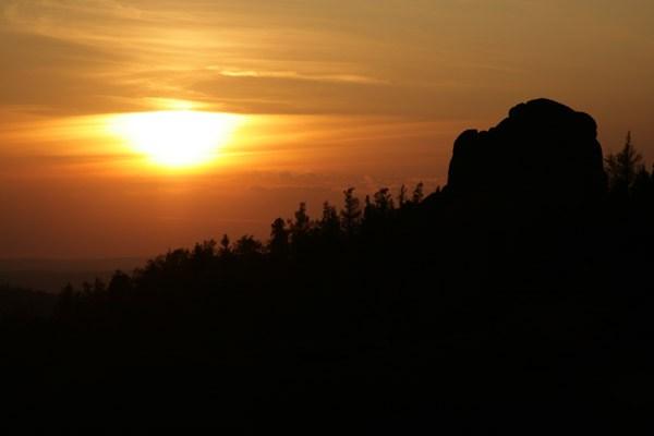 Закат над столбами