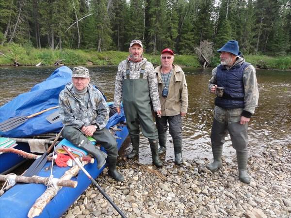 Братья - рыбаки из Перми и один - из Чайковского.