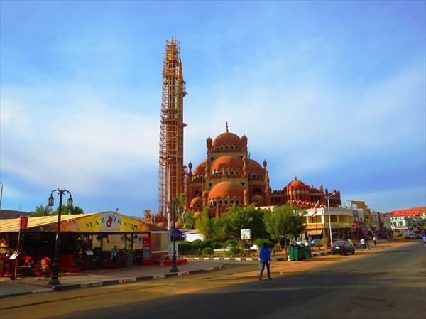 Строящаяся мечеть Олд Маркет