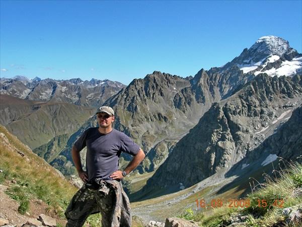 Вид с перевала Иркиз 2950м