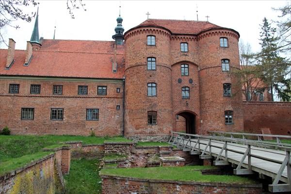 Мост в замок