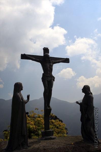 на фото: Монсеррат. Богота.