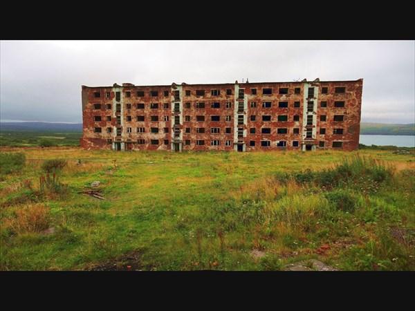 Большое Озерко. Бывший военный городок. Заброшенная пятиэтажка.
