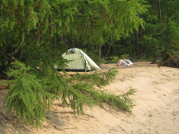 Лагерь на песке