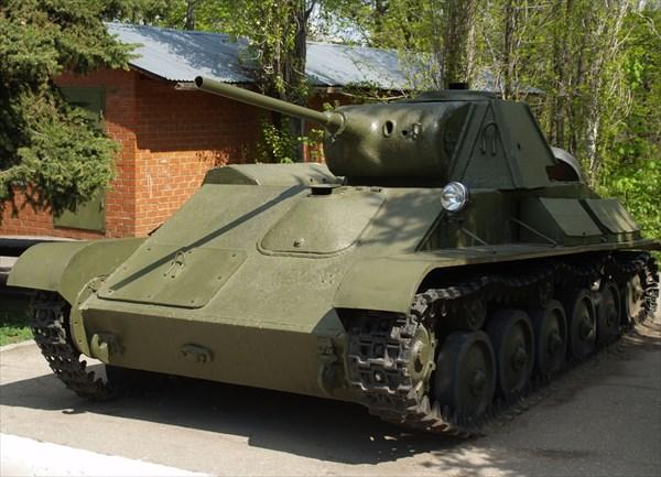 Легкий танк времен ВОВ