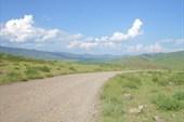18. Дорога в долине р. Бора-Шай.