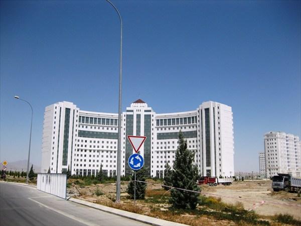 Построен министерством обороны для военных
