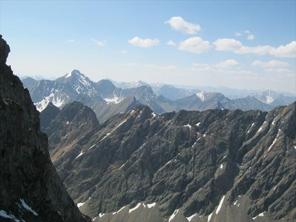 Вид на Восточные Саяны с перевала Хитрый