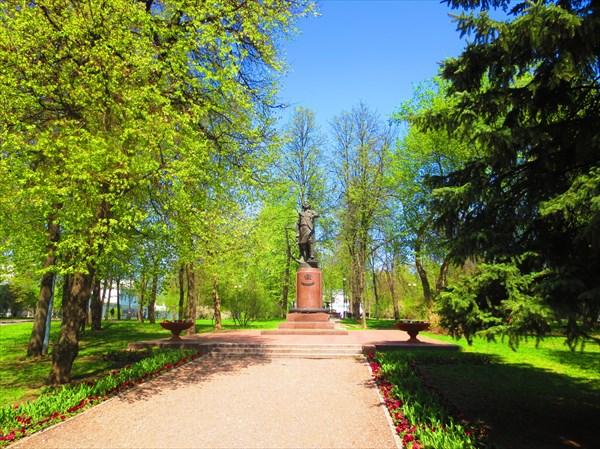 Памятник Петру Великому, Измайловский парк