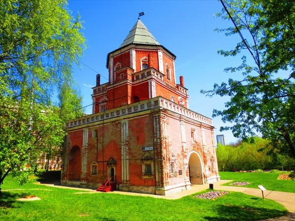 Мостовая башня Измайловский Парк 1671–1679 гг.