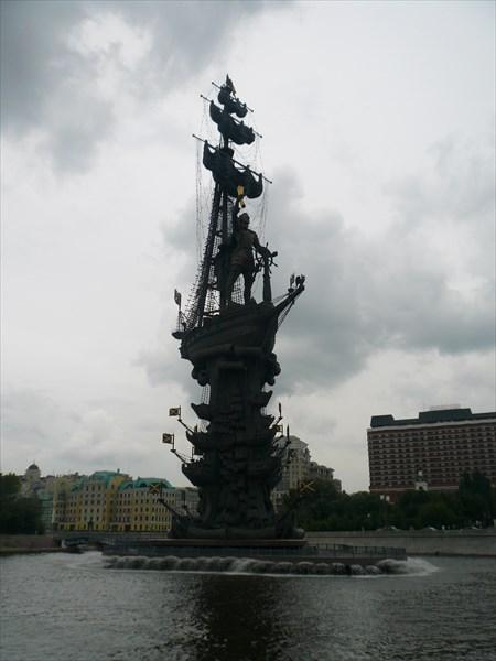 Памятник «В ознаменование 300-летия российского флота» 1997