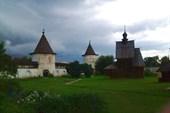 Территория Михайло - Архангельского монастыря