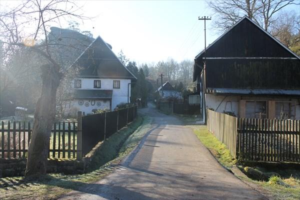 Деревня в камнях