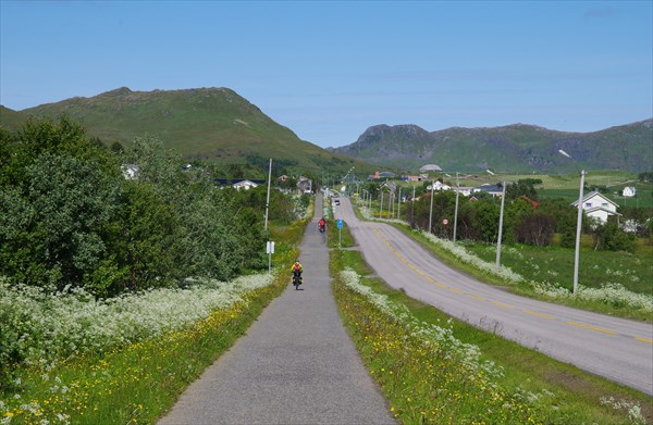 Правильная велодорожка в районе Bostad