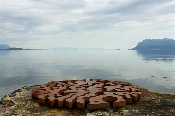 Скульптура Seven Magic Points фина Martti Aiha