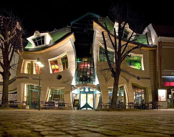 Танцующий дом в Сопоте