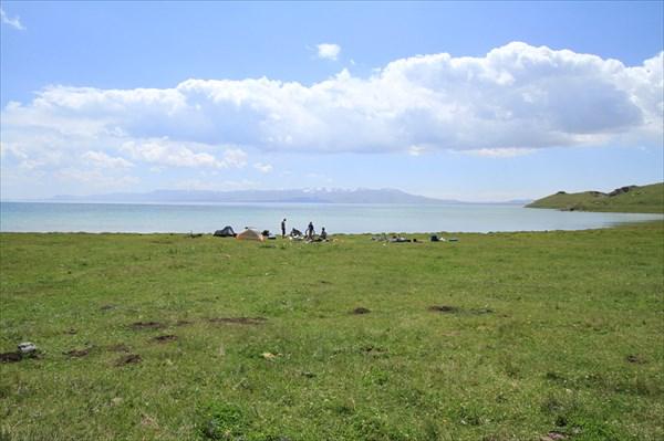 Стоянка на озере.