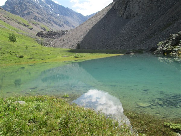 Озерцо на пути к перевалу