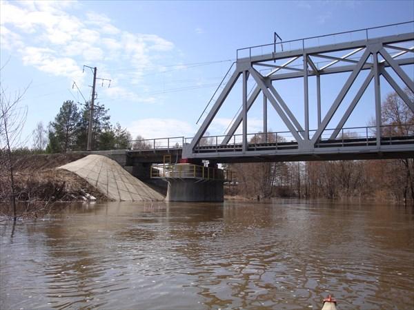 Мост приближается
