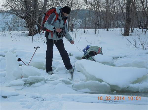 Выход на лёд Волги за ГЭС
