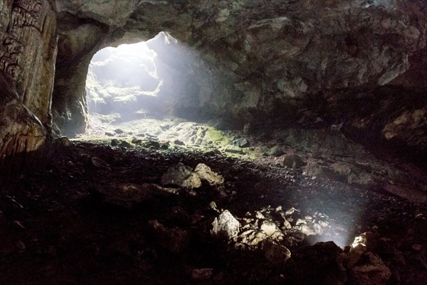 Эмине-Баир-хосар - бесплатный вход в пещеру