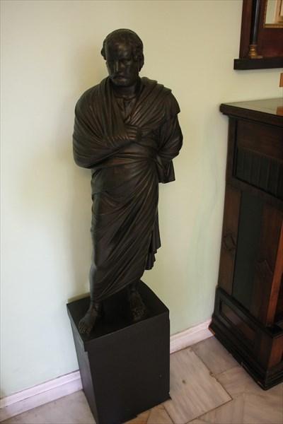 234-Статуя