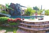 бассейн в кампаненто в Санта Елене