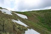 Курумник ведет на вершину Кваркуша